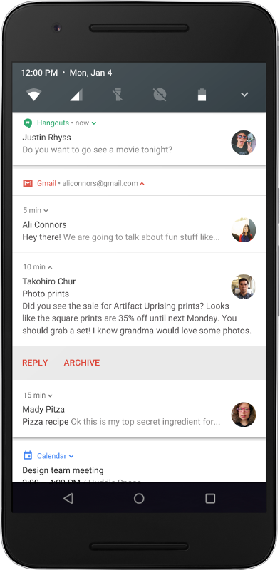 Mobile displaying bundled message notifications